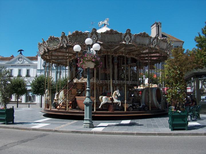 Photo de voyage fontainebleau france n 16 le man ge for Piscine fontainebleau