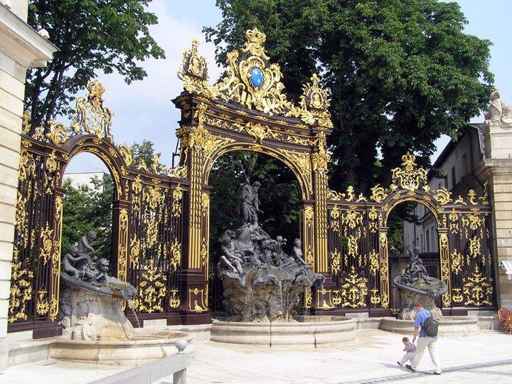 Photo de voyage en france n 21 fontaine neptune sculpt e par barth l my guibal avec des - Jardin dominique alexandre godron ...