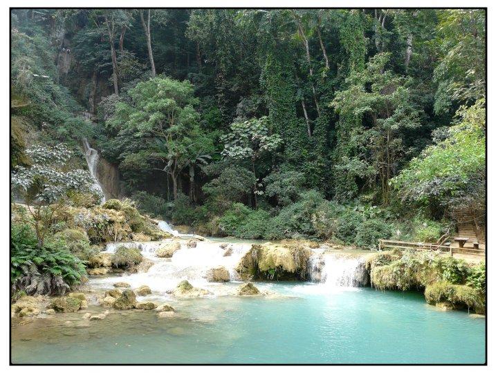 photo de voyage organis au laos n 190 un cadre enchanteur pour d jeuner au bord de ce bassin. Black Bedroom Furniture Sets. Home Design Ideas